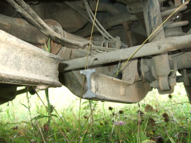 Лопнувший продольный рычаг Suzuki Jimny